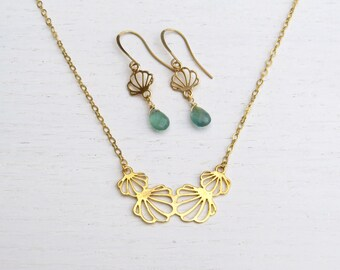 Gold seashell jewelry set, Gold shell necklace, Sea inspired jewelry