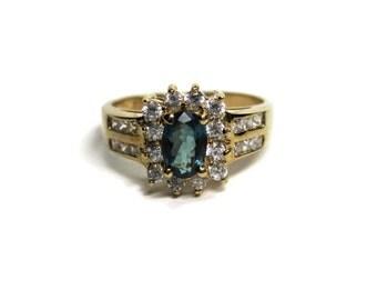 Vintage 10K .50 Carat Oval Chrome Diopside Ring Size 8