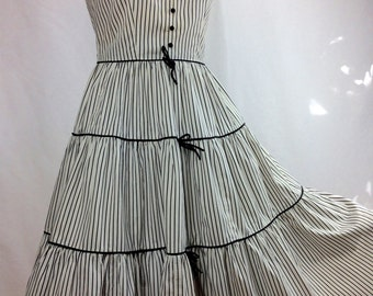 1950's PIN STRIPE Cotton Dress with TINY Bows and Buttons / Swooping Neckline / Full Skirt /  Size Medium.