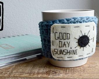 Mug/ Tasse personnalisée/ Couvre-tasse/ Crochet  / Laine et feutrine/ A customiser