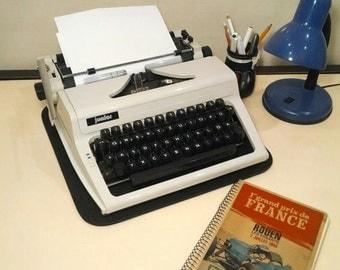 German typewriter Junior with case - Vintage Typewriter - White Typewriter Junior - Working Condition - 1980s Junior manual typewriter