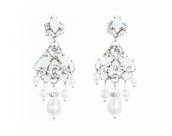 Swarovski Bridal earrings, Crystal Wedding earrings, Swarovski pearl earrings, Bridal jewelry, Chandelier earrings, Vintage