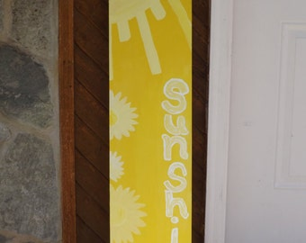 Large 4' welcome signs.