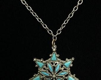 Vintage 1970's Faux Turquoise Star Burst Pendant Necklace (JT5)