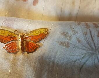 Avon Butterfly Pin Brooch Luminous Wings Goldtone