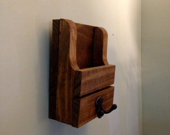 Mail holder/key rack/leash holder/key rack