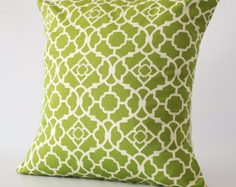 Green decorative pillow, green pillow, green pillow cover, throw pillows, cushion, decorative pillows