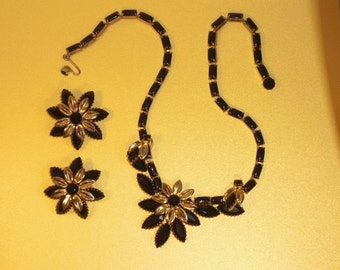 (128) necklace & earrings set flowers, signed WEISS, early 1950's