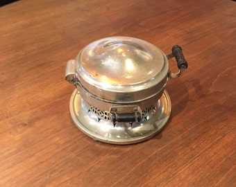 Old-time antique waffle maker