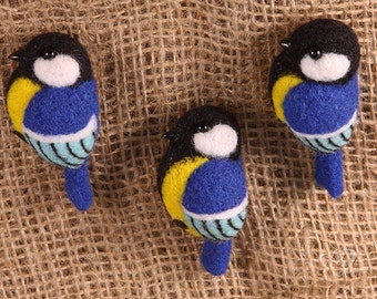 "Felted brooch ""Titmouse"""