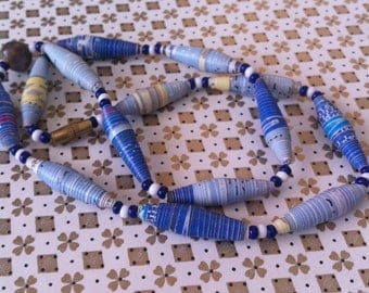 vintage paper beads necklace 16 ins with screw clasp