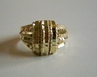 14 Karat Gold Filled Nugget Chunky Band Ring Size 7