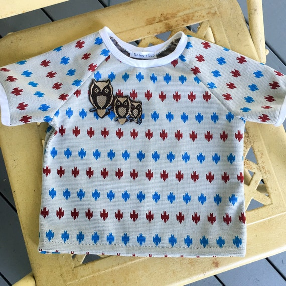 Knit Ringer Pullover Sweater with patch, vintage knit fabric, raglan sleeves, vintage applique patch