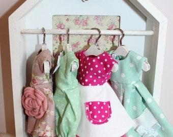 Shabby Chic Wooden Clothes Rail / Wardrobe - 1:6 For Blythe & Similar Sized Dolls