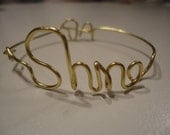"Golden personalized ""shine"" wire bracelet"