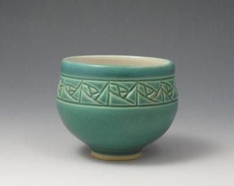 Arts & Crafts Rose Tea Bowl