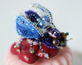 """A PIN """"Fly"""" Purple embroidered pearls and Swarovski 3D Crystal"""