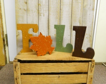 FALL   (WOOD LETTERS)