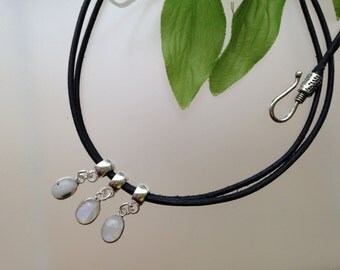 Moon stone - leather necklace
