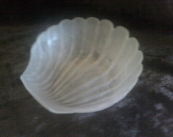 Pink Frosted Glass Shell Bowl
