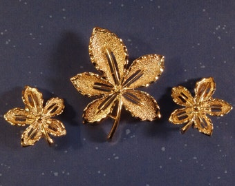 Sarah Coventry Leaf Brooch and Earrings Set