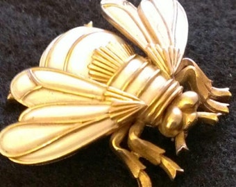 Vintage  Trifari bee