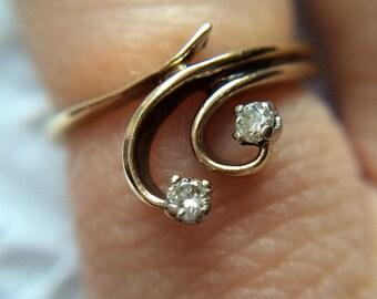 9ct Yellow Gold Diamond ring - Vintage - Stacking - Shooting Stars