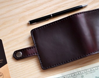 Bifold Wallet in Horween Byrgundy Horse Chromexcel Leather. With 6 card slots