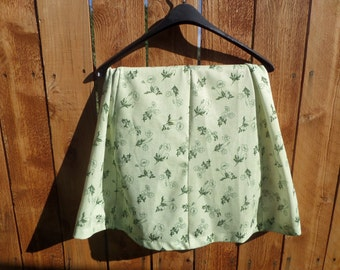 Vintage green flowered knee length skirt