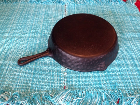 Hammered Cast Iron Skillet #8 (Heavy Hammered Ugly)
