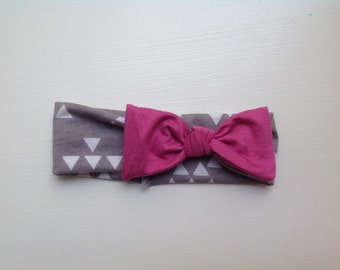 Grey and white triangles w/ pink bow