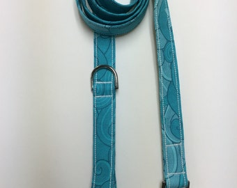 Waves and Fin Print Dog Leash