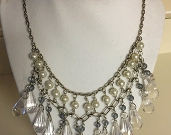 Bead dangle necklace