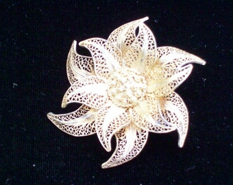 Edelweis Pin  - Vintage Brooch - Spun Silver Gold - Vermeil - Filigree - European