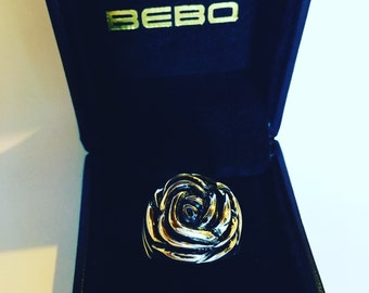 Rose ring in solid 925 silver oxidized by BEBOJEWELRY HANDMADE. Pink ring