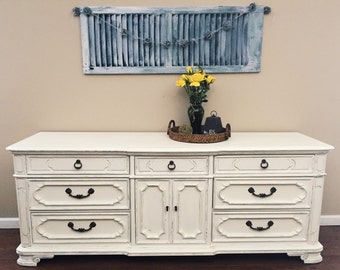 SOLD - Gorgeous Thomasville Dresser