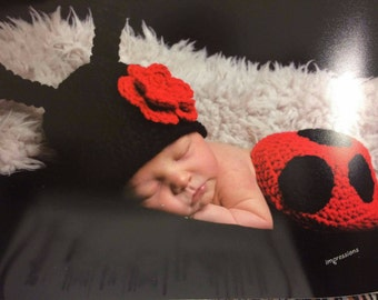 Newborn Ladybug Outfit Hat and Diaper Cover