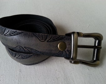 Belt from old bicycle tire, painted