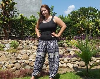 Plus Size Yoga Pants // Plus Size Elephant Pants // Plus Size Festival Pants // Plus Size Comfortable // Plus Size Hippie Clothes