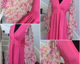 Vintage 1970 Flower Power Dress with Angel Sleeves  Large