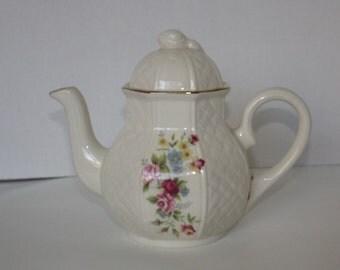 England Bone China Teapot, Arthur Wood teapot, English teapot, Ceramic teapot, English china teapot,