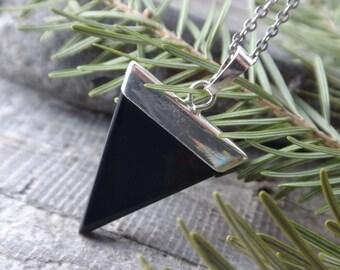 Black Onyx point Necklace.Triangle Onyx. Crystal pendant gemstones Chakra Reiki, Healing. Health and Energy. Sliced black Agate silvery
