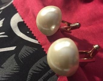 Pearl faux white cuffs