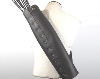 Simple quiver for arrows of life-size soft leather, larp