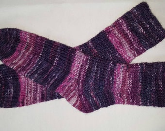 Socks in purple tones with textured pattern Gr. 40