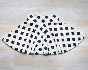 Baby girl skirt with black and white print, white circle skirt, toddler skirt, summer skirt for little girls, baby girl clothing, midi skirt