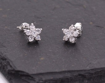 Very Sparkly Forget-me-not Flower Dainty Stud Earrings with CZ Crystals z10