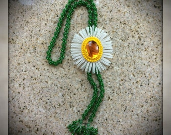 CAMOMILE - Handmade beaded necklace