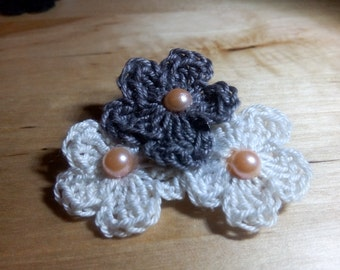 Pins or hair clip with Pearl effect beads semis crochet three flowers