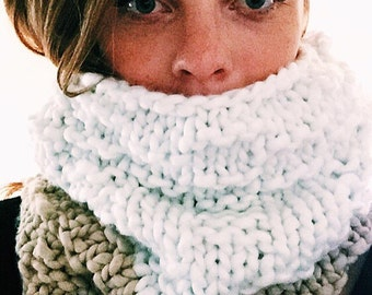 Chunky coffee n' cream Cowl !